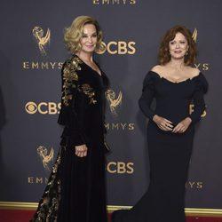 Jessica Lange y Susan Sarandon en la alfombra roja de los Premios Emmy 2017