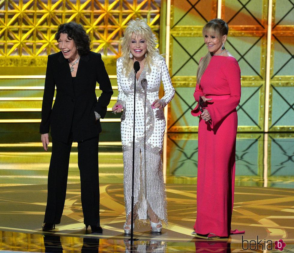 Lily Tomlin, Dolly Parton y Jane Fonda en la gala de los Premios Emmy 2017