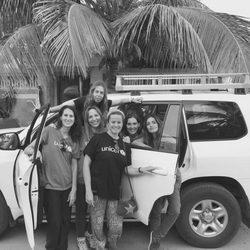 Sara Carbonero se despide de las chicas de Unicef de Senegal