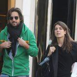 Carlota Casiraghi y Dimitri Rassam paseando por París