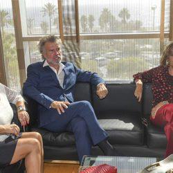 Bigote Arrocet, María Teresa Campos y Terelu Campos antes de que la periodista recibiera su homenaje en Málaga