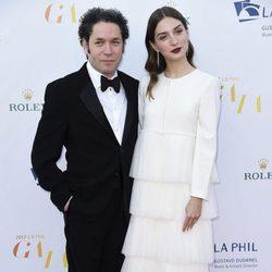 María Valverde y Gustavo Dudamel en la gala inaugural de la Filarmónica de Los Angeles