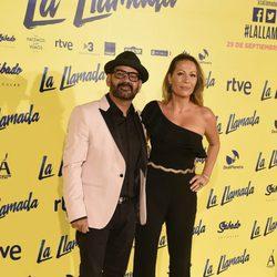 José Corbacho y su mujer en el estreno de la película 'La Llamada'