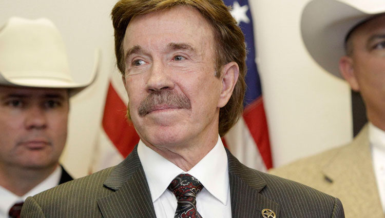 Chuck Norris en un homenaje a 'Walker, Texas Ranger'