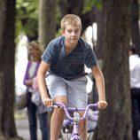 Juan Urdangarin montando en bicicleta