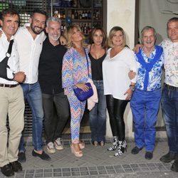 María Patiño junto a todos sus compañeros en la celebración de su cumpleaños