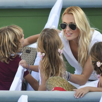 Carolina Cerezuela se lleva a sus tres hijos a un torneo de tenis