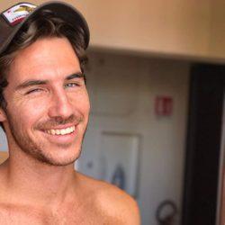 Beltrán Lozano muy sexy y sonriente