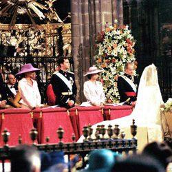 La Familia Real en la boda de la Infanta Cristina e Iñaki Urdangarin en la Catedral de Barcelona