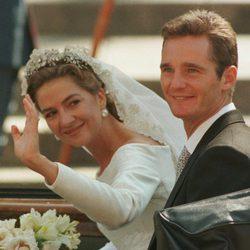 La Infanta Cristina e Iñaki Urdangarin en su boda