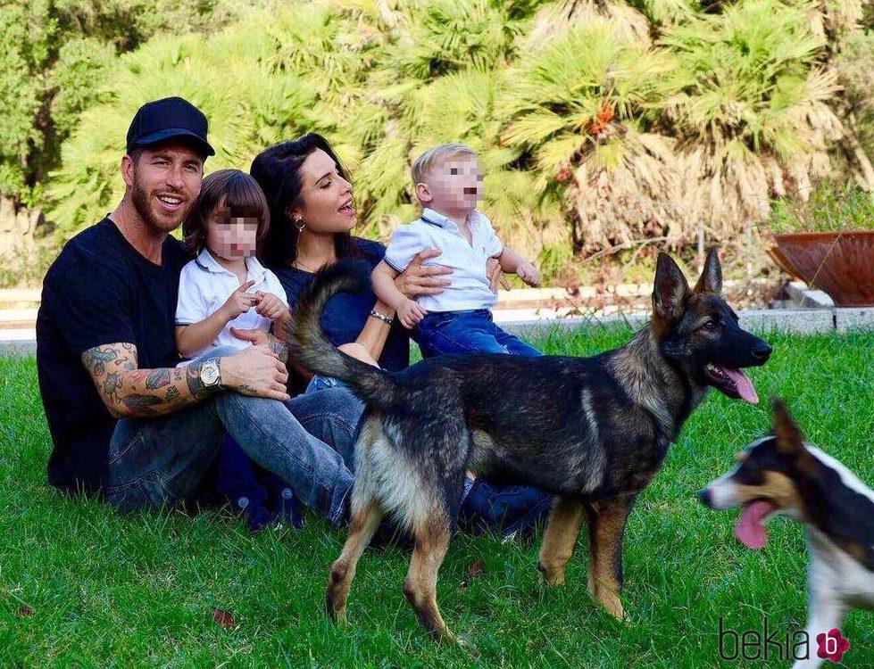 Pilar Rubio y Sergio Ramos anuncian junto a sus hijos que esperan su tercer hijo