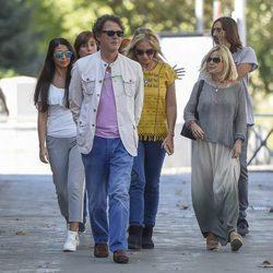 Sara Verdasco, Juan Carmona, Mariola Orellana y Eugenia Martínez de Irujo visitan a Antonio Carmona