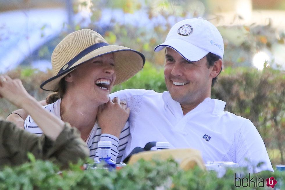 Sergio Álvarez y su novia Nina Ulenberg