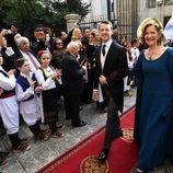 Felipe de Serbia con su madre María da Gloria de Orleáns-Braganza en su boda con Danica Marinkovic