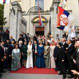 La Reina Sofía, Victoria de Suecia con los novios y otros invitados en la boda de Felipe de Serbia y Danica Marinkovic