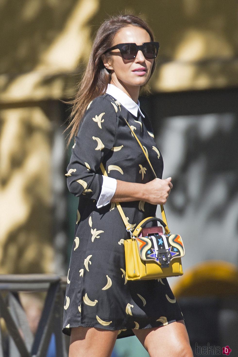 Paula Echevarría de paseo y compras por Madrid