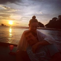 Marta Hazas y Javier Veiga disfrutando de un atardecer en Tailandia