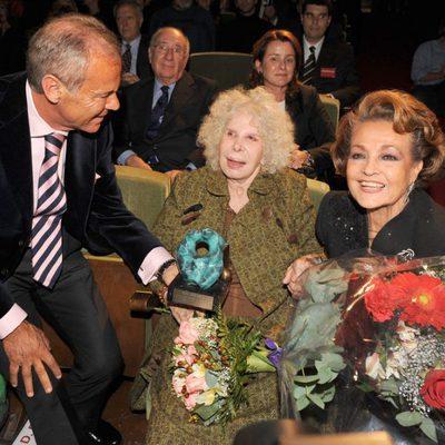 La Duquesa de Alba y Carmen Sevilla