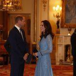 Kate Middleton presume de embarazo junto al Príncipe Guillermo en el Día Mundial de la Salud Mental