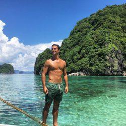 Jaime Astrain con el torso desnudo de vacaciones en Filipinas