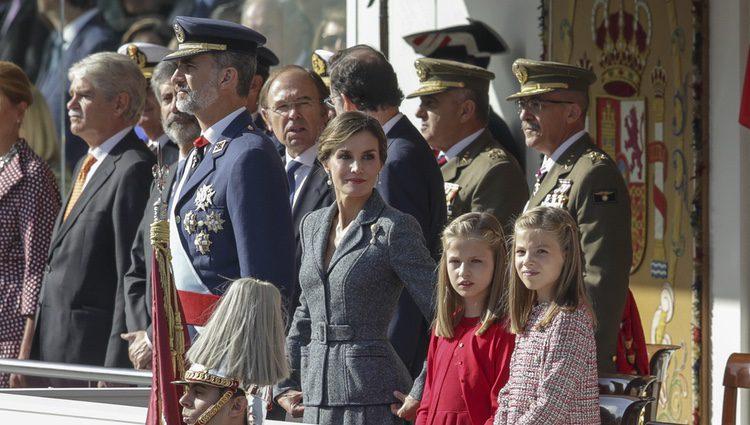 Los Reyes Felipe y Letizia y sus hijas Leonor y Sofía en el Día de la Hispanidad 2017