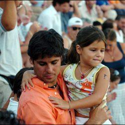 Cayetana Rivera con su padre Fran Rivera cuando era una niña