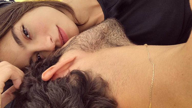 Juan Betancourt y Rocío Crusset muy románticos en Tenerife