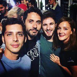 David Castillo celebrando su 25 cumpleaños con Eduardo Casanova, Ana Polvorosa y Paco León