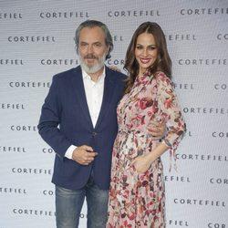 José Coronado y Eva González en la presentación de la nueva campaña de Cortefiel