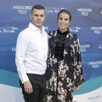 Fonsi Nieto y Marta Castro en la inauguración de un centro comercial