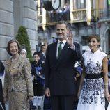 Los Reyes Felipe y Letizia y la Reina Sofía en los Premios Princesa de Asturias 2017