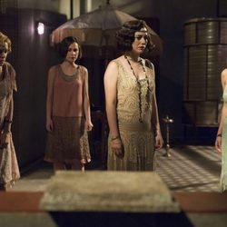 Blanca Suárez, Ana Fernández, Nadia de Santiago y Maggie Civantos en la segunda temporada de 'Las chicas del cable'