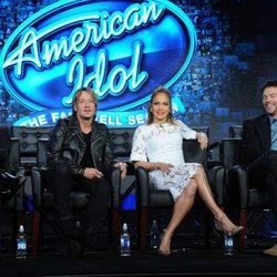 Keith Urban con sus compañeros de 'American Idol'