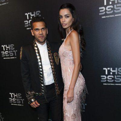 Dani Alves y Joana Sanz en la gala de los Premios The Best Fifa 2017
