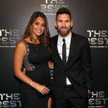 Antonella Roccuzzo y Leo Messi en la gala de los Premios The Best Fifa 2017