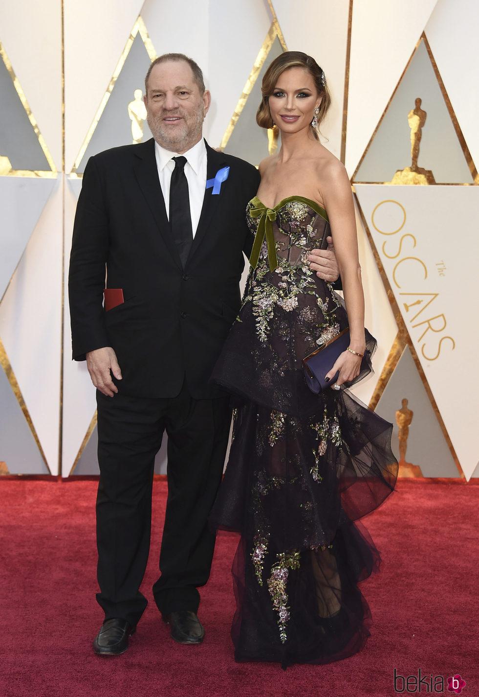 Harvey Weinstein y Georgina Chapman en los Oscar