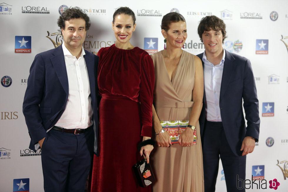 Pepe Rodríguez, Eva González, Samantha Vallejo-Nágera y Jordi Cruz en los Premios Iris 2017