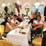 Cristiano Ronaldo con Georgina Rodríguez y toda su familia de comida