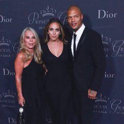 Tina Green, Chloe Green y Jeremy Meeeks en los Premios Princesa Grace 2017