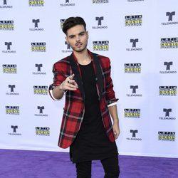 Abraham Mateo en la alfombra roja en los Latin American Music Awards 2017