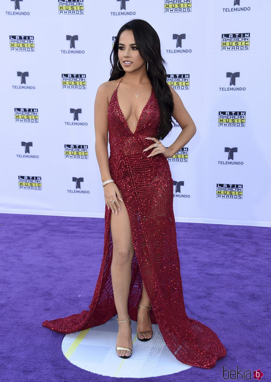 Becky G en la alfombra roja en los Latin American Music Awards 2017