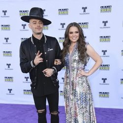 Jesse & Joy en la alfombra roja en los Latin American Music Awards 2017