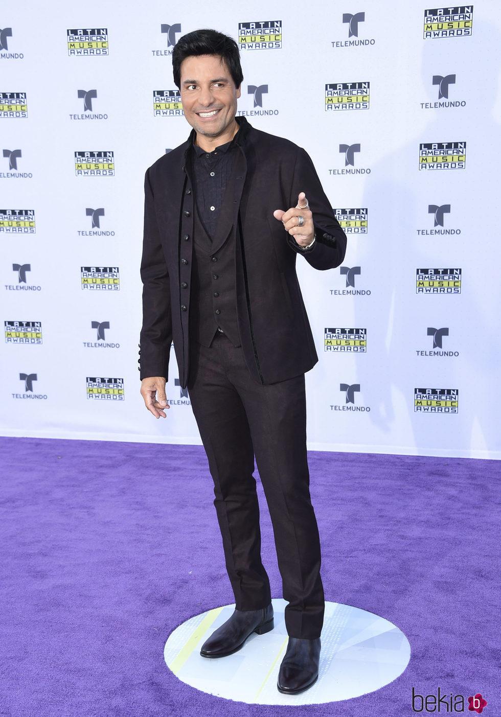 Chayanne en la alfombra roja en los Latin American Music Awards 2017