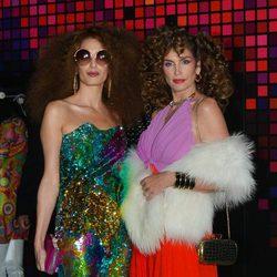 Amal Alamuddin y Cindy Crawford en una fiesta de Halloween en Hollywood