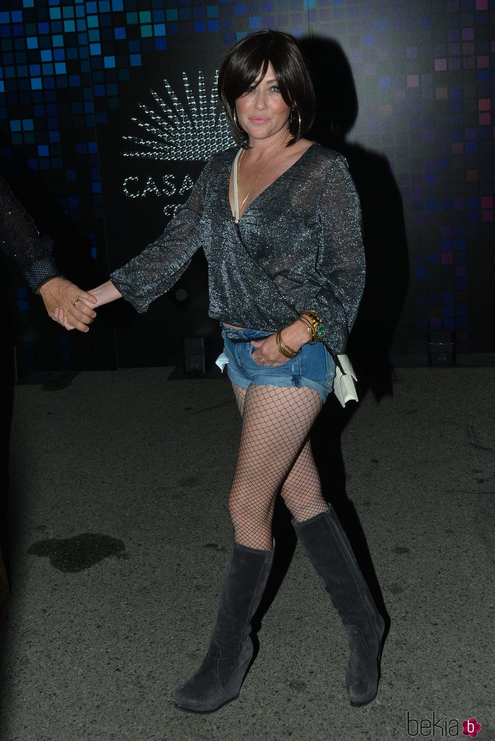 Shannen Doherty en una fiesta de Halloween en Hollywood