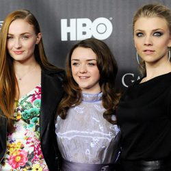 Sophie Turner, Maisie Williams y Natalie Dormer promocionando 'Juego de Tronos'