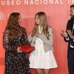 Francesca Thyssen y su hija Eleonor de Habsburgo con Borja Thyssen en el 25 aniversario del Museo Thyssen
