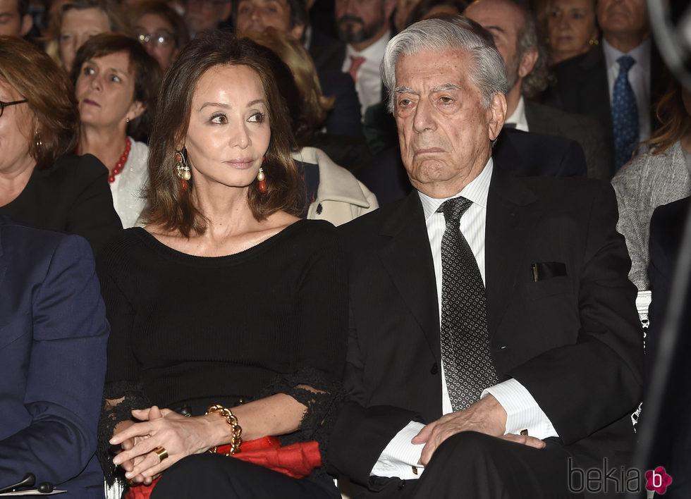 Isabel Preysler y Mario Vargas Llosa en el 25 aniversario del Museo Thyssen