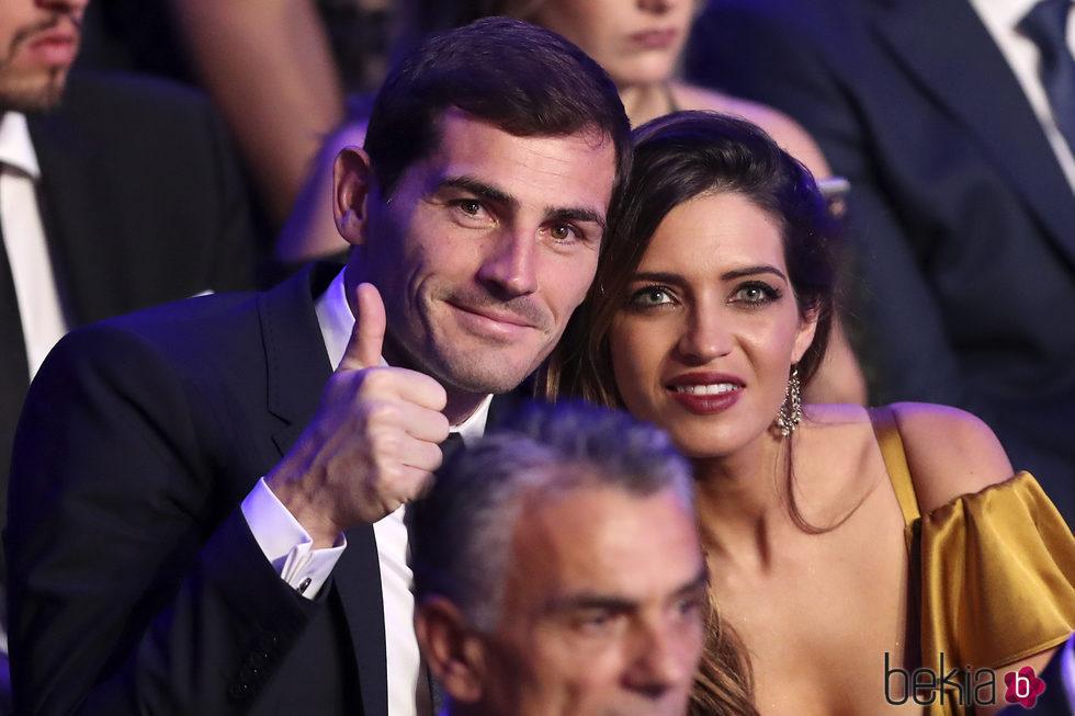 Sara Carbonero e Iker Casillas, divertidos en la gala de los Dragones de Oporto