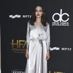 Angelina Jolie en la alfombra roja de los Hollywood Film Awards 2017